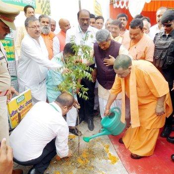 Yogi Adityanath Planting Trees